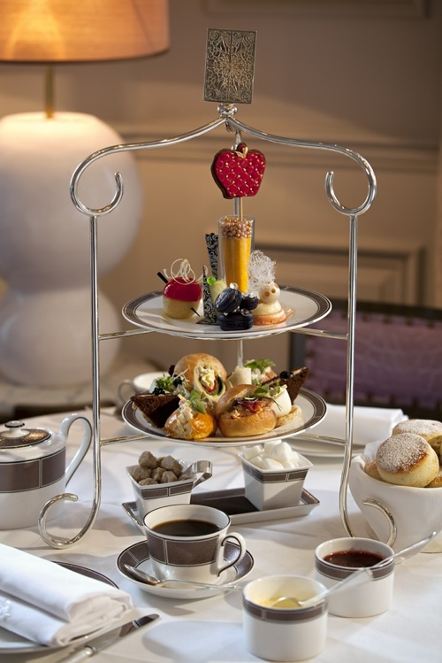 afternoon tea in London, the egerton house hotel afternoon tea,where to have afternoon tea in London